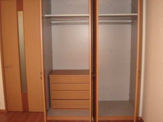 エレガンスⅠ 103号室の収納