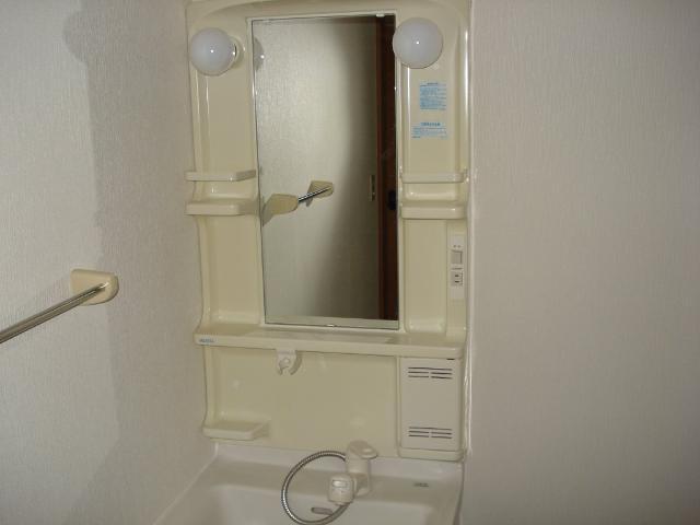 クオリティーハイツ 102号室の洗面所