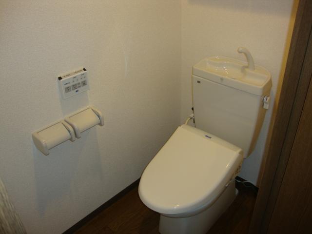 PARISⅢ(パリスリー) 103号室のトイレ