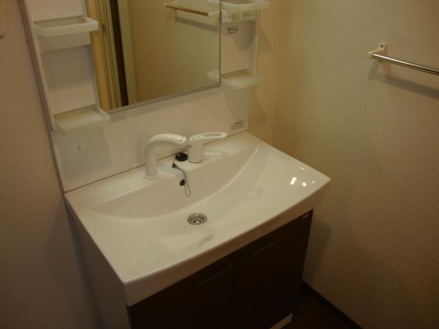 PARISⅢ(パリスリー) 103号室の洗面所