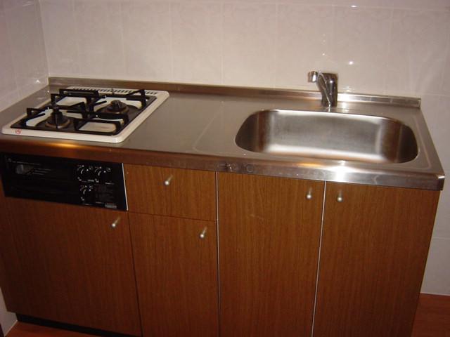 リリーズパレス 103号室のキッチン