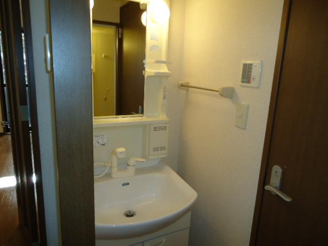 リリーズパレス 103号室の洗面所