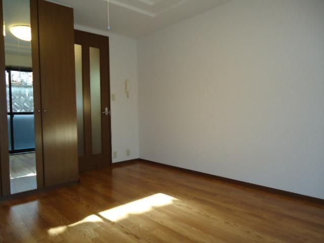 リリーズパレス 103号室の居室