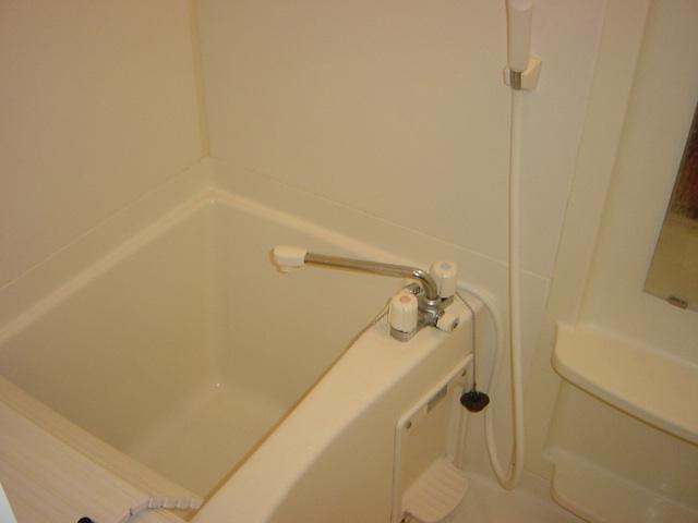 リリーズパレス 103号室の風呂