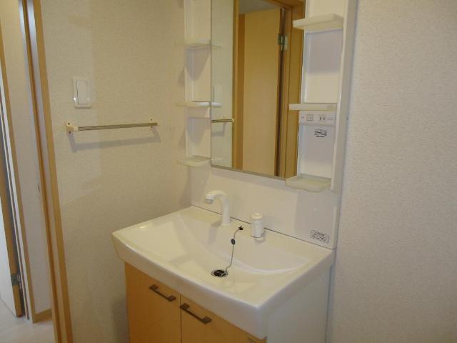 アラモード スクエア 00202号室の洗面所
