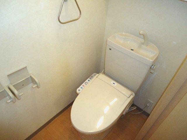 グランチェスタ 恵 101号室のトイレ