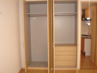 アーバン ルピナス 103号室の収納