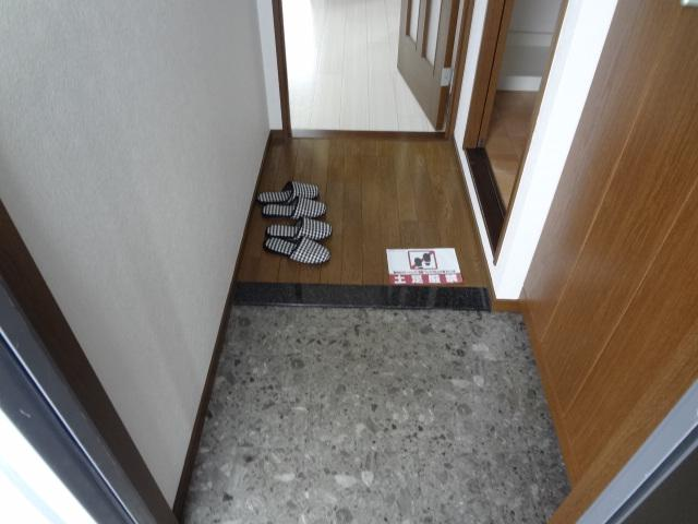 アルカディア 405号室の玄関