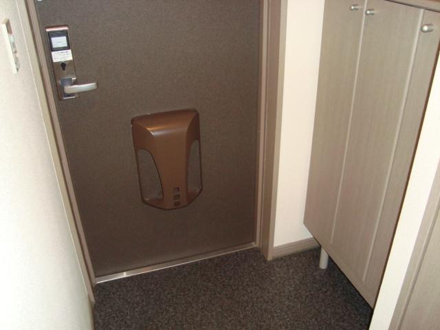 ヴィラすみよし 102号室の玄関