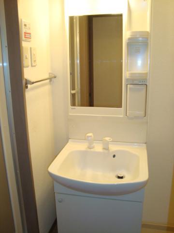 ヴィラすみよし 102号室の洗面所