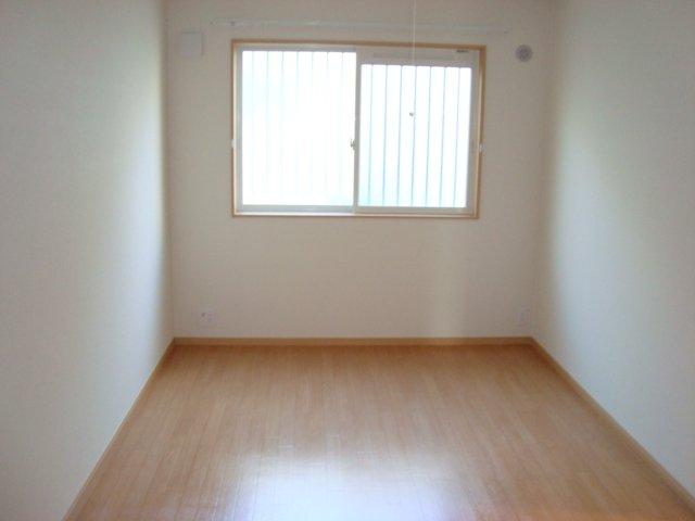 ワースファミリア 201号室の居室