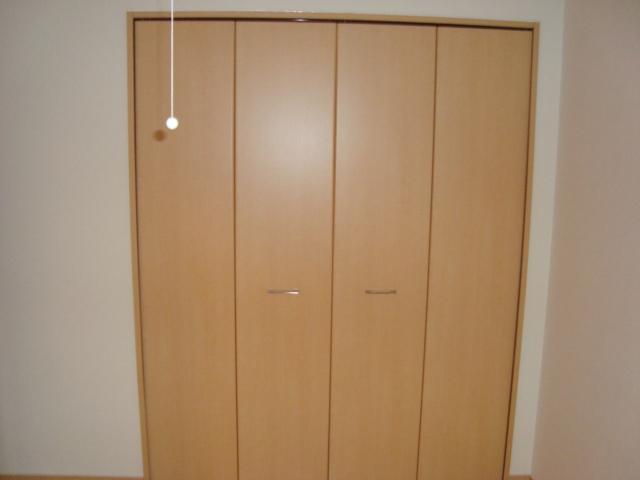 ワースファミリア 103号室の収納