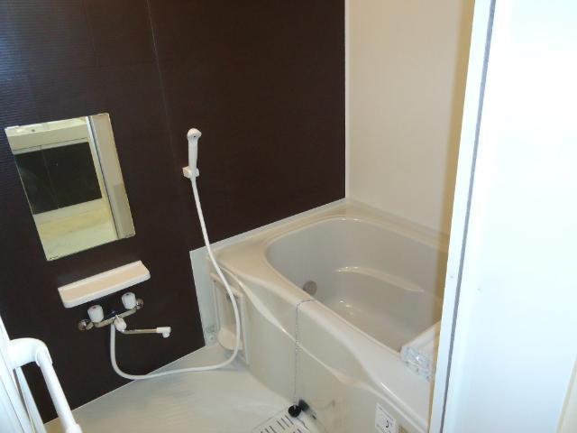 エストレイン 201号室の風呂
