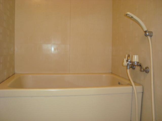 ゴールデンドーン 205号室の風呂