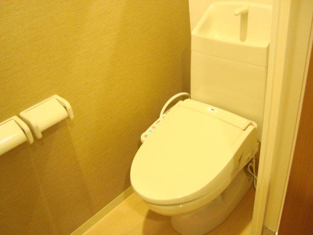 アルヴィータ 201号室のトイレ
