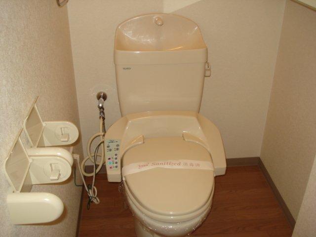 プチ キャッスル 201号室のトイレ