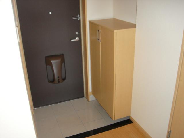 ドラクロワ 00106号室の玄関
