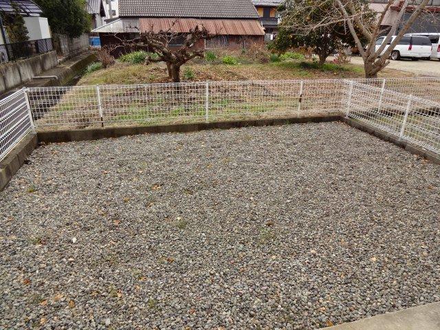 ハイツシュン 00101号室の庭