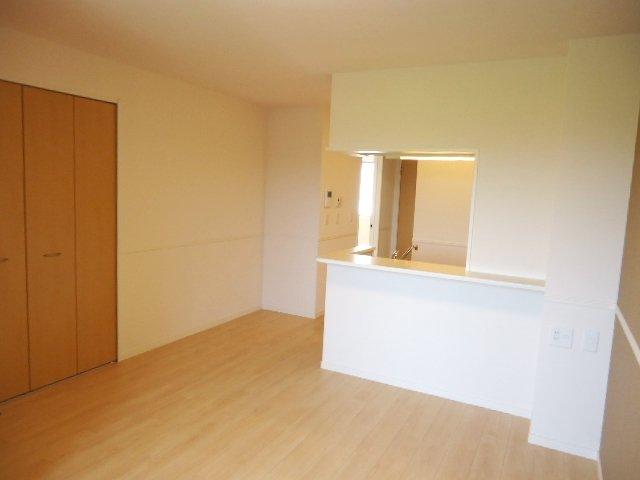 シュプール・ハウス 103号室のリビング