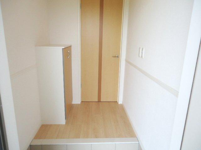 シュプール・ハウス 103号室の玄関