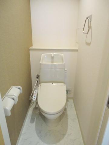シュプール・ハウス 103号室のトイレ
