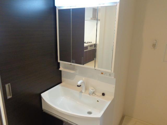 コンフォーレ・K 203号室の洗面所