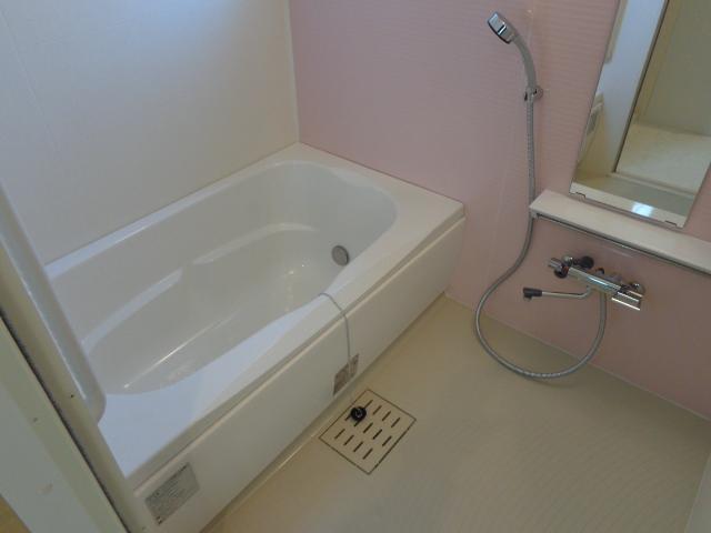 コンフォーレ・K 203号室の風呂