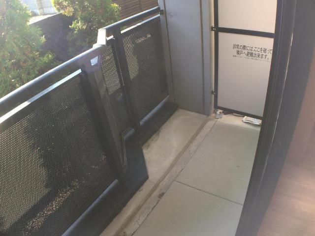 クリザンティーム 102号室のバルコニー