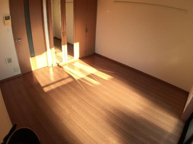 クリザンティーム 102号室の居室