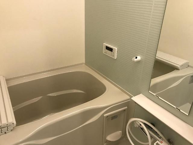 エトワールシャトー 102号室の風呂