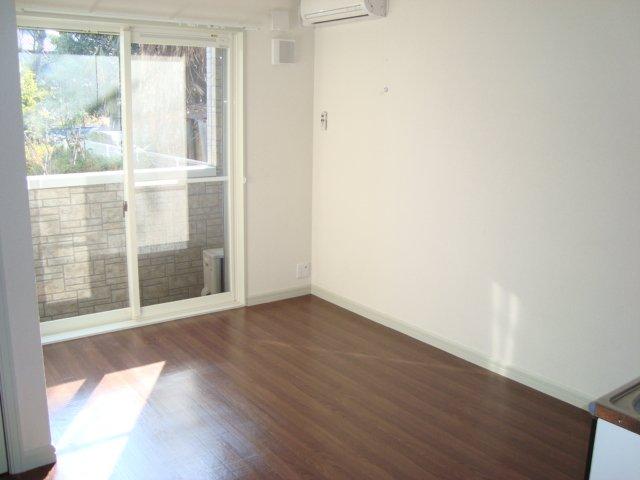 サンジュールウエストA 103号室の居室