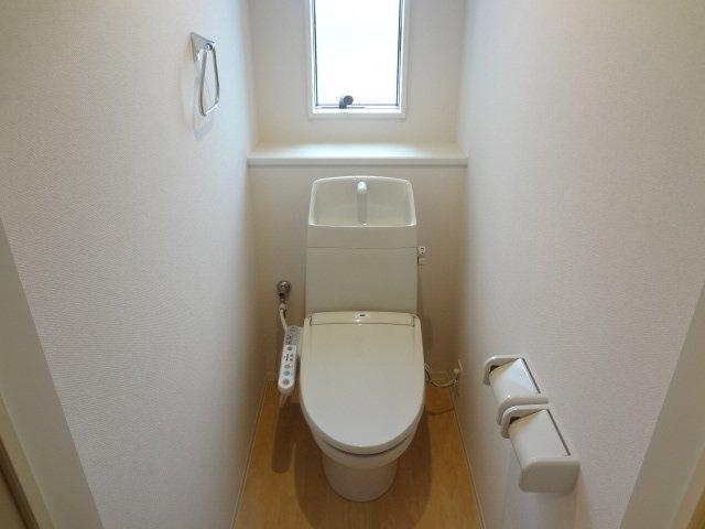 コンフォール 101号室のトイレ