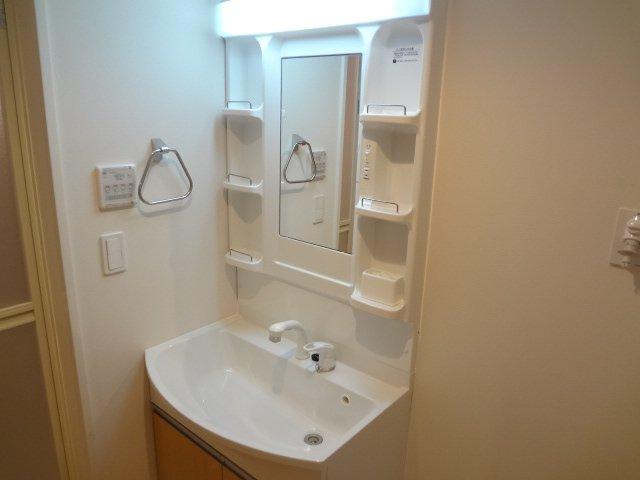 コンフォール 101号室の洗面所