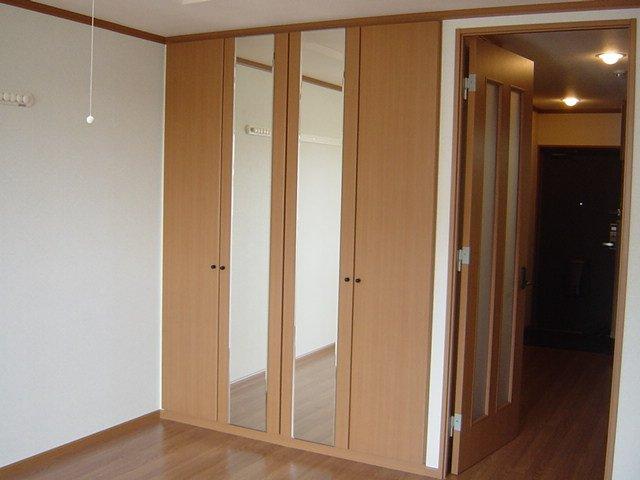 ブルーサンズ セントラル 203号室の収納