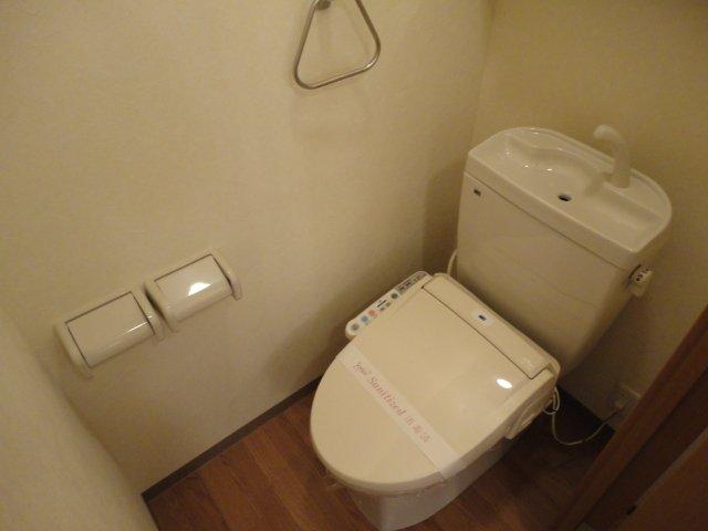 セピアローズ 102号室のトイレ