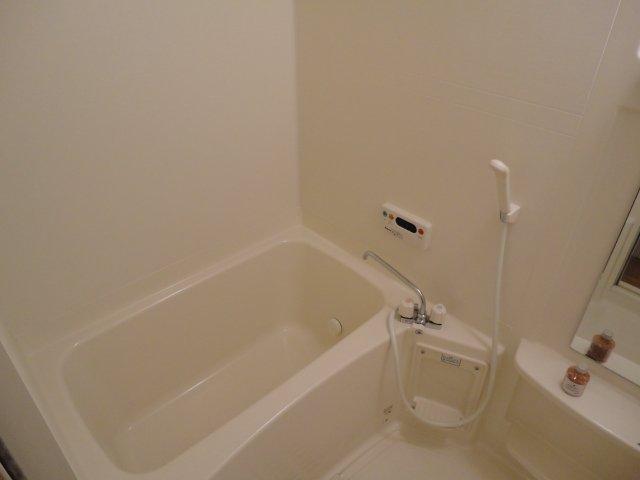 セピアローズ 102号室の風呂