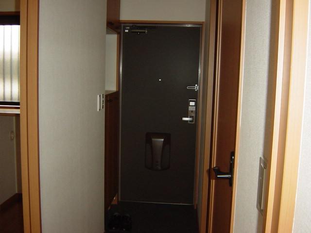 グランベル 202号室の玄関