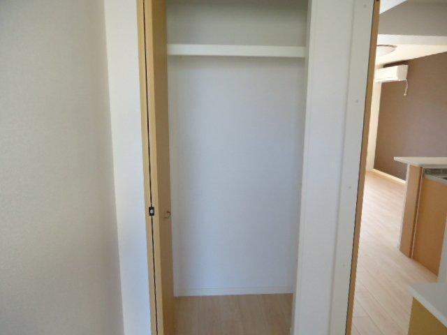 (仮)裾野市佐野アパート新築工事 202号室の収納