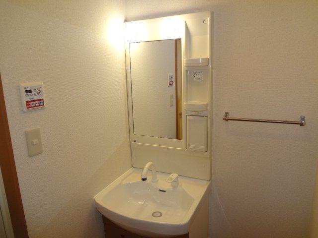 チェリー・ブロッサム 106号室の洗面所