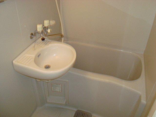 メゾン5 102号室の風呂