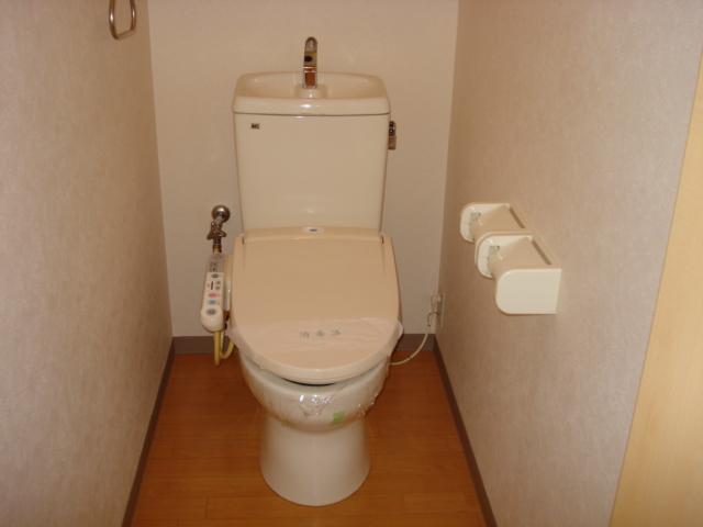 ルナフォレスタ 101号室のトイレ