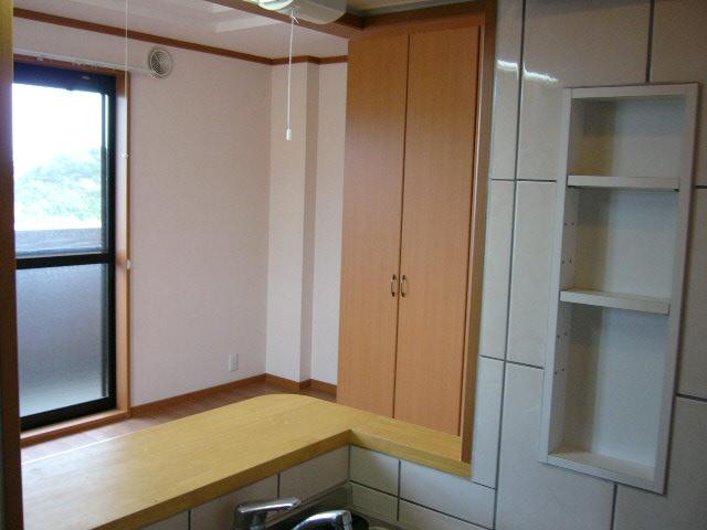 グレイスヴィラ 201号室の居室