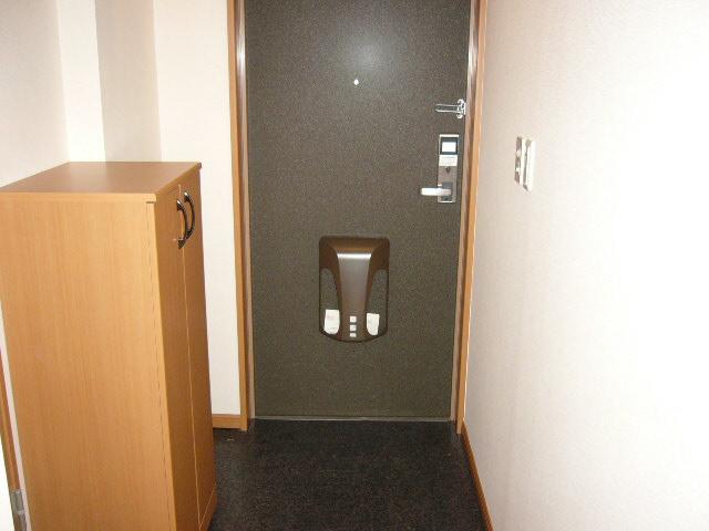 グレイスヴィラ 201号室の玄関