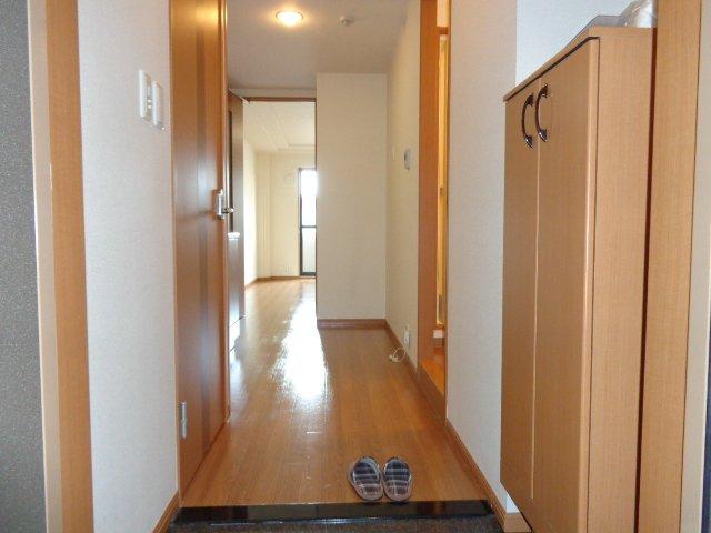 イーストパレス夢見月 207号室の玄関