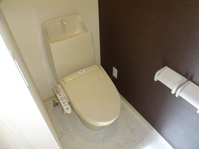 ラ サルーテ デュオ 101号室のトイレ