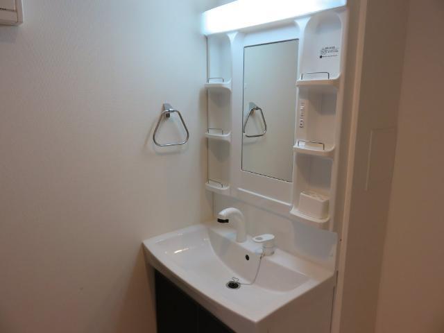 (仮称)平塚市紅谷町マンション新築工事 00301号室の洗面所