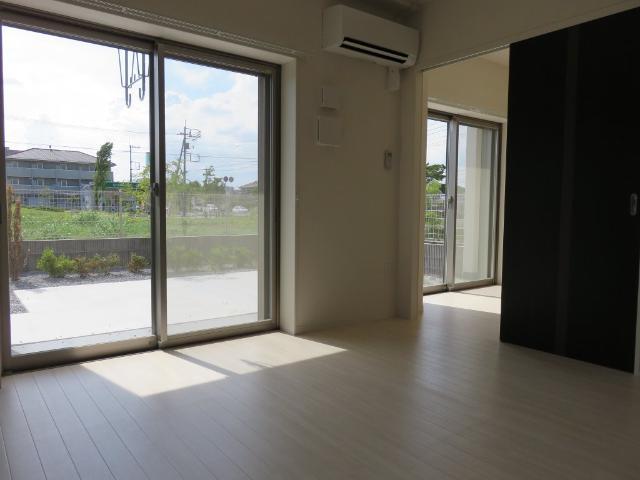(仮称)平塚市紅谷町マンション新築工事 00301号室のリビング