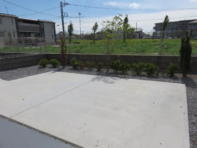 (仮称)平塚市紅谷町マンション新築工事 00301号室の庭