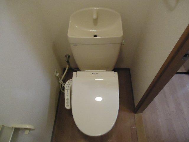 アーバンコートT.B棟 202号室のトイレ