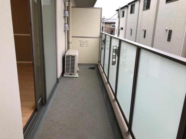 フローラ小石川 208号室のバルコニー